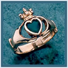 Gents Large Stone Claddagh Ring