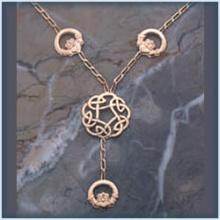 Light Y Chain